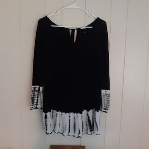 Black and tie dye top size XL